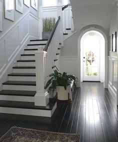 Modern Staircase Design Ideas – Browse inspiring images of modern stairs. With t… Modern Staircase Design Ideas – Browse inspiring Banisters, Stair Railing, Metal Spindles, Stair Lift, Flooring For Stairs, Wood Stairs, Entryway Stairs, Entryway Ideas, Painted Stairs