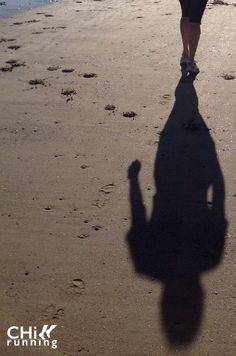 my shadow running with me on the beach - foto Karen de Bondt Silhouette, Running, Beach, Art, Art Background, The Beach, Keep Running, Kunst, Why I Run