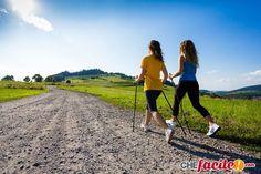 Dimagrire camminando si può: ecco come praticare il fitwalking (camminata veloce)