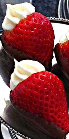Cheesecake Stuffed Chocolate Covered Strawberries ❊