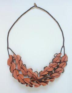 Evelien Sipkes  'Brown Venus'. necklace / obejct. Earthenware, porcelain, iron wire, hemp. 36 x 32 x 4 cm