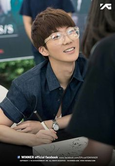 Winner / Fan sign 24.08.2014