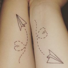 A most thorough guide on Best friend tattoos (BFF tattoos). They make a memorable gift which two friends can give to each other. Partner Tattoos, Sibling Tattoos, Bff Tattoos, Mini Tattoos, Trendy Tattoos, Forearm Tattoos, Tattoo You, Tatoos, Unique Couples Tattoos