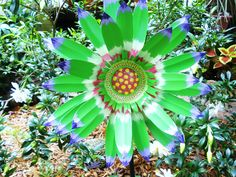 <3 Cheryl Tin Can Flowers, Flower Ideas, Cheryl, Metal Art, Soda, Canning, Fruit, Crafts, Quilling