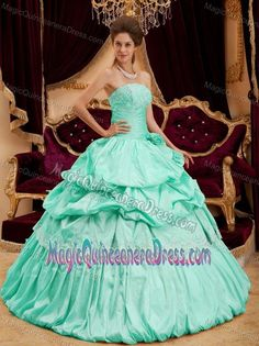 741af0f1ddb Beautiful Strapless Taffeta Appliques Apple Green Quinceanera Gown Dress  Champagne Quinceanera Dresses