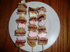 Willamette Valley Wonder Woman: Lunch time? Fun Time!  Peanut and Jelly Kabobs