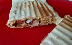 Karmelowy Biszkopcik: Gyros z kurczaka w tortilli. Pomysł na sycący obiad.