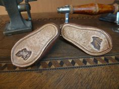 LEATHER-SHOES-FOR-ANTIQUE-GERMANY-OR-FRENCH-DOLL-Puppenschuhe-fuer-antike-Puppe