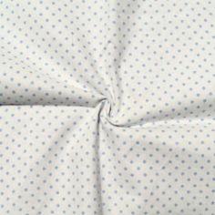 Ein Stoff zum Träumen: Zarte hellblaue Pünktchen gedruckt auf 100% weißer Baumwolle.