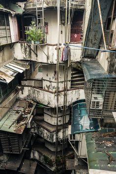 "bellatorinmachina: "" Hong Kong, Nanjichang A vintage era KMT public housing project in Wanhua District "" City Landscape, Urban Landscape, Favelas Brazil, Kowloon Walled City, Amazing Buildings, City Aesthetic, Slums, Environmental Art, Urban Photography"