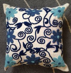 Relaxing hues of blues, hand embroidery. Cushion Embroidery, Machine Embroidery Applique, Cross Stitch Embroidery, Hand Embroidery, Embroidery Designs, Mexican Embroidery, Cross Stitch Pillow, Flower Pillow, How To Make Pillows
