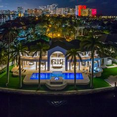 〽️ Today's @millionaire.asset Motivation . What's your favorite feature of this home? Offered for $12,750,000 by @mralexgoldstein | A masterful curation of #style and #design. An #estate encompassing 190 ft of prime #GoldenBeach waterfrontage, this is your own sanctuary. Breathtaking ceiling height, expansive rooms, and chefs #kitchen. Immaculate tremendous #pooldeck with oversized #pool and #outdoor barbecue set up. #Yacht equipped dock located on the quiet water end of the manicured #glass…