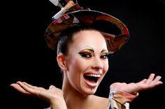 Buautiful attraktive frau mit pinsel | Free Photo #Freepik #freephoto #hand #bildung #frau #papier Stock Foto, Captain Hat, Free, Fashion, Brushes, Moda, Fashion Styles, Fashion Illustrations