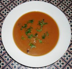 Beef recipes from Cookipedia. A traditional British winter soup, sadly more commonly seen in tins nowadays than made in the home. Oxtail Recipes, Beef Recipes, Soup Recipes, Cooking Recipes, Ox Tail Soup Recipe, Country Bread, Cooking With Beer, Tinned Tomatoes, Cooking