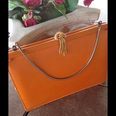 WEEKEND SALE❤️(was$14)VintageAndrew Gellar Handbag Very cute handbag. Good vintage condition. Measures approx 8x6x2 Andrew Gellar Bags