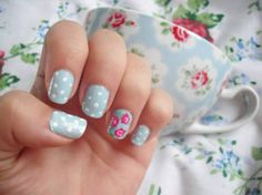 Floral Nails. This seems slightly more manageable than the cherry blossom manicure.