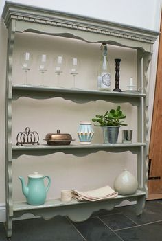 Victorian shelves - how stunning ! see www.peastyle.co.uk for more info