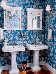 Don't shy away from patterns: a bold wallpaper can be perfect for your bathroom. #decorating