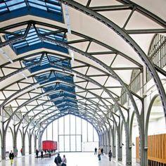 <p>Venez visiter ce bâtiment construit selon les plans de Gropius. Le <strong>Bauhaus Archiv</strong> détient en plus un café et avec tout plein d'objets intéressants....