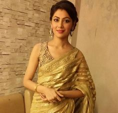 These Sexy Pictures of Sriti Jha Will Keep You Up All Night. Bollywood Celebrities, Bollywood Actress, Sriti Jha, Ethnic Sarees, Kumkum Bhagya, Elegant Saree, Traditional Fashion, Indian Designer Wear, India Beauty