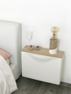 Ikea Hack - Trones bedside table, are you looking for cheap stylish bedside tables under 30 €? Then I have an Ikea hack for you: Trones shoe cabinet as a bedside table. Ikea Hacks, Hacks Diy, Ikea Bedroom, Bedroom Decor, Ikea Trones, Bedside Table Ikea, Nightstand, Ikea Table Hack, Ikea Storage