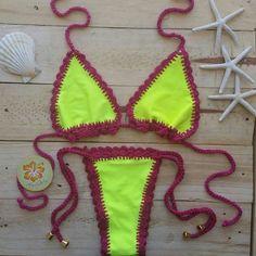 """Chegaram novas cores do nosso {• Crochetkini Guadeloupe •} transformamos o tradicional """" cortininha """" em um bikini exclusivo de  modelagem única e acabamento perfeito ❤"""