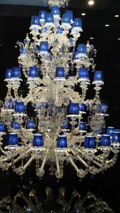 Lustre hors norme