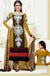 Mehendi & Black Suit By Aarti Salwar Kameez Online Shopping, Salwar Suits Online, Designer Salwar Suits, Churidar, Indian Salwar Kameez, Weird Fashion, Fashion Deals, Black Suits, Indian Ethnic