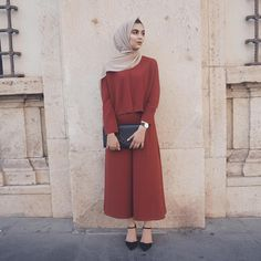 Loving my time Rome - wearing my watch, use my code zaraazix to get off your order on their website! Hijab Fashion Summer, Abaya Fashion, Modest Fashion, Fashion Dresses, Women's Fashion, Fashion Trends, Hijab Casual, Hijab Chic, Jumpsuit Hijab