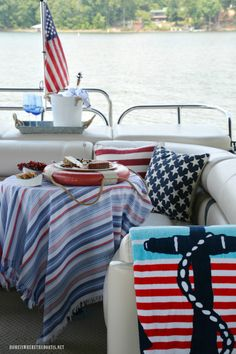 Weighing Anchor and Nautical Fun on the Pontoon Pontoon Boat Party, Luxury Pontoon Boats, Pontoon Boating, Boating Fun, Pontoon Boat Accessories, Boating Holidays, Boat Crafts, Boat Restoration, Yacht Cruises