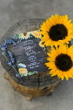 Loving this bright sunflower wedding invitation for a rustic or country wedding by Posh Paper.