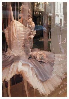 #ballerinapink in paris... http://vickiarcher.com/2013/10/ballerina-pink-paris/