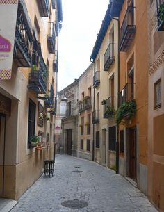 Walking around the Juderia in Segovia.