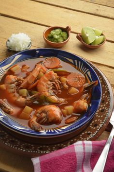 Shrimp broth with Chile Guajillo - Caldo de Camarón con Chile Guajillo Mexican Seafood, Real Mexican Food, Mexican Cooking, Mexican Dishes, Mexican Food Recipes, Seafood Soup, Seafood Dishes, Seafood Recipes, Cooking Recipes