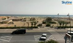Live Cam on Rimini's seaside promenade. Visit our web site to wath this live streaming!