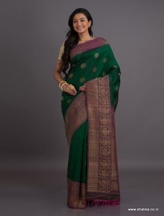 The jute threads that are woven into this exemplary weave to form a majestic border and pallu is extraordinary and high class. Gadwal sarees are renowned for admirable zari patterns and well-crafted pure silk kuttu borders and pallus. Exhibiting a remarkable trait of getting folded down to the size of a matchbox, our Gadwal Silk Sarees online have demand throughout the country.