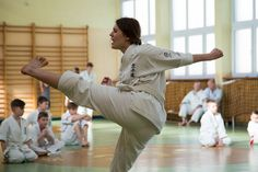 Trzy egzaminy na stopnie 7 kyū Karate, Khaki Pants, Sports, Hs Sports, Khakis, Sport, Trousers