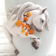 Кружка белая лошадь и ложка яблоко – купить или заказать в интернет-магазине на Ярмарке Мастеров | Кружка декорирована красивой белой лошадью, ложка…