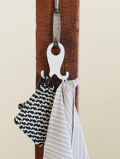 Wandhaken - hook up! weiß - ein Designerstück von aussenquartier bei DaWanda