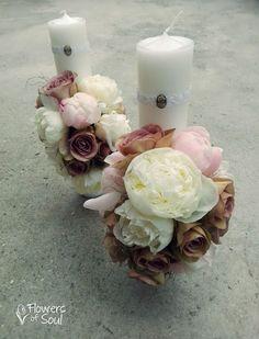 Flowers of Soul: Lumanari de cununie Design Floral, Pillar Candles, Wedding Flowers, Candle Decorations, Candles, First Holy Communion, Bridal Flowers