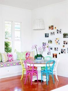 Colorful Australian Home. A foolproof recipe for a lovely room: white walls wood floors and brightly colored furniture! See more of this home (via the design files) Dining Room Walls, Dining Chairs, Bentwood Chairs, Living Room, Dining Nook, Room Chairs, Side Chairs, Home Interior, Interior Design