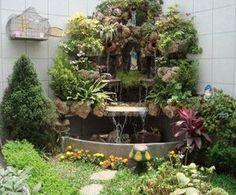 Ideas que mejoran tu vida Garden Deco, Garden Pots, Grotto Design, Marian Garden, Sacred Garden, Prayer Garden, Garden Waterfall, Garden Crafts, Small Gardens