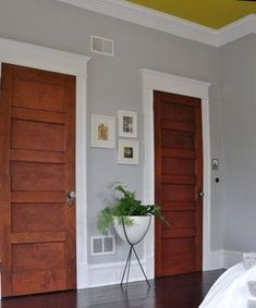 Ideas Cherry Wood Floors Grey Walls White Trim For 2019 Wood Door Paint, Painted Doors, Grey Walls White Trim, Gray Walls, Yellow Walls, Cherry Wood Floors, Stained Trim, Brown Doors, White Trim Wood Doors