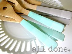 DIY Ombre Painted Utensils - EverythingEtsy.com