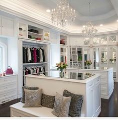 Once again shelving/cabinents to the ceiling. Half exposed half with doors #luxurycloset
