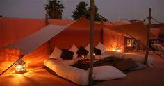 Atmosphäre unterm Zeltdach