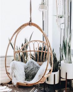Unique Luxury Furniture casa para venda on-line Decoration Inspiration, Room Inspiration, Interior Inspiration, Design Inspiration, Style Deco, Swinging Chair, My New Room, First Home, Cozy House