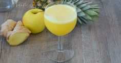 CENTRIFUGATO DEPURATIVO ananas zenzero e mela, facile, veloce e buonissimo, ideale dopo le grandi abbuffate, ricco di proprietà