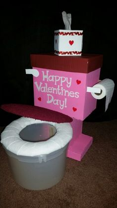 Valentines Box- Toilet Valentine Boxes For School, Kinder Valentines, Valentines For Boys, Valentines Day Party, Valentine Crafts, Valentinstag Party, Dulceros Halloween, Diy Valentine's Box, Cardboard Box Crafts