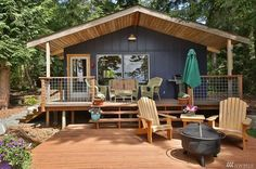 The Holmes Harbor cabin, a 528 sq ft retreat in Langley, WA.